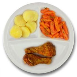 Drumsticks met vleesjus, gekookte aardappelen, wortelen met peterselie
