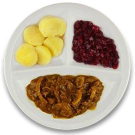 Runderhachee, gekookte aardappelen, rode bieten