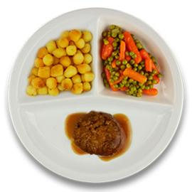 Twentse gehaktbal met jus, gebakken aardappelen, wortelen en doperwten ZONDER TOEGEVOEGD ZOUT