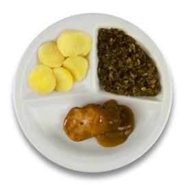 Varkenshaasoester peperroomsaus, gekookte aardappelen, andijvie à la crème