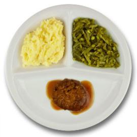 Twentse gehaktbal met vleesjus, aardappelpuree, snijbonen