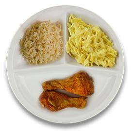 Gemarineerde kipdrumsticks, volkoren rijst, witte kool in kerriesaus