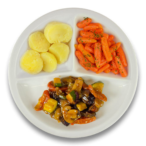 Veg. groentehachee met courgette , gekookte aardappelen, wortelen met peterselie