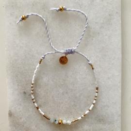 Pretty Marbles Miyuki gold & white