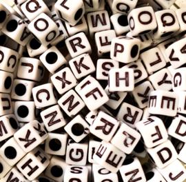 Witte vierkante blok letterkralen 20 gram