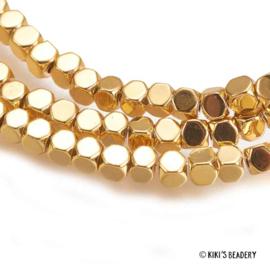 Gouden faceted vierkant kralen