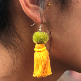 Earrings Pompon 1 Layer - Licht oranje/ Groen