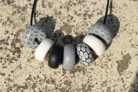 Rondelle - Black/ White/ Silver 7 beads