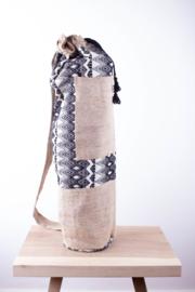 MuniMuni Yoga Bag - BlackWhite/ Silk with open Pocket