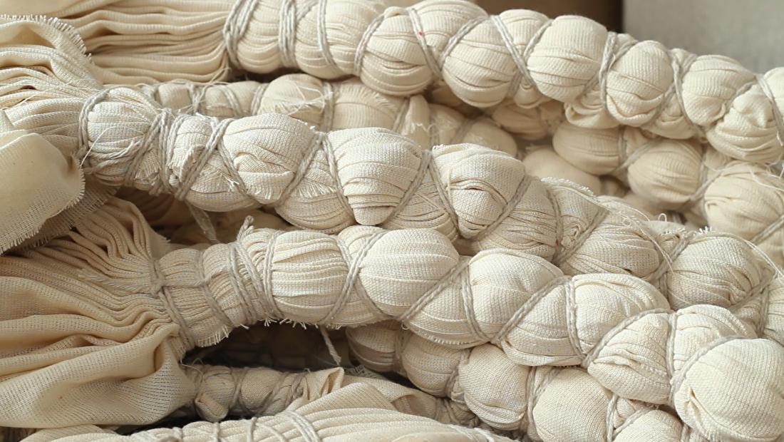 MuniMuni Tie Dye Nepal shawl 4.png