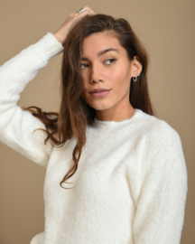 Fluffy Sweater White