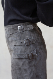 River Leather Buckle Skirt Stone Grey