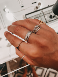 Middle Ring ''Dots on both sides''