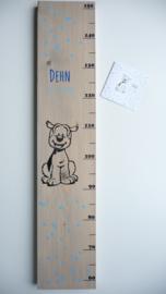Groeimeter  steigerhout babykamer van geboortekaartje Dehn