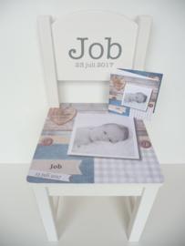 Geboortestoeltje met geboortekaartje Job