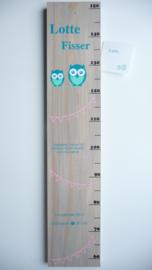 Groeimeter  persoonlijk kraamcadeau van geboortekaartje Lotte