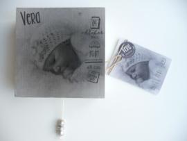 Muziekdoosje van geboortekaartje gepersonaliseerd cadeau Vera