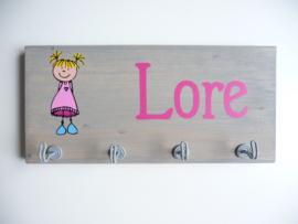 Kapstok van het geboortekaartje Lore kraamcadeau