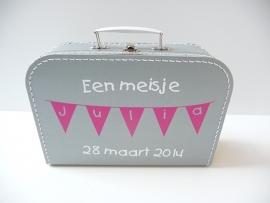 Koffertje met naam geboren slinger meisje