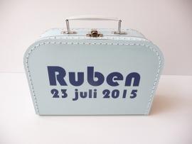 Koffertje met naam en geboortedatum jongen