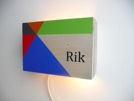 Lamp van het geboortekaartje Rik persoonlijk cadeau