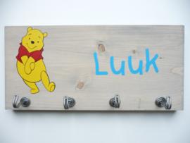 Kapstok eigen ontwerp Winnie the Pooh met naam