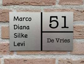 Naambord Drie vlakken en voornamen RVS Look