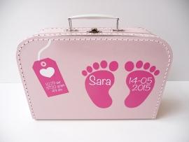 Koffertje met naam en geboortegegevens meisje