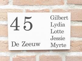Voordeur naambord Voornamen rechts