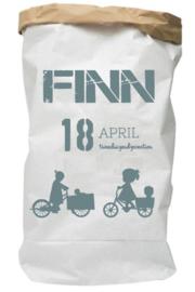 Paperbag van geboortekaartje Finn persoonlijk kraamcadeau