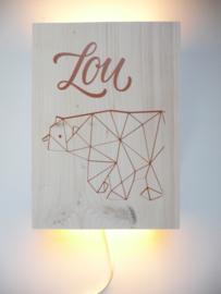 Lamp van het geboortekaartje Lou persoonlijk kraamcadeau