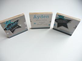 Origineel kraamkado geboortekaartje op hout 3 luik Ayden