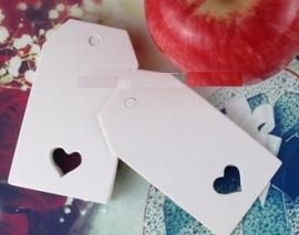 Label wit in de klassieke vorm met hart  (4,0x 7,0 cm/10 stuks)