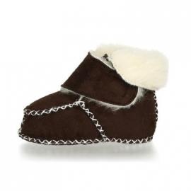 Babyslofje klittenband met schapenwol donker bruin
