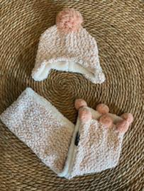 Sarlini muts + sjaal roze  Extra zacht