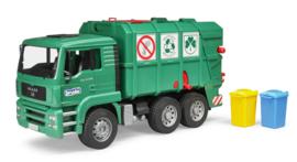Bruder 2753 - MAN TGA vuilnisauto groen met 2 vuilcontainers
