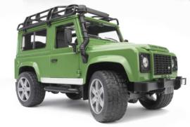 Bruder 2590 - Land Rover Defender Station Wagon