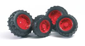 Bruder 2322 - Dubbellucht wielenset rood t.b.v. tractoren 2000 serie