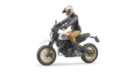 Bruder 63051 - Ducati Scrambler Desert Sled met bestuurder