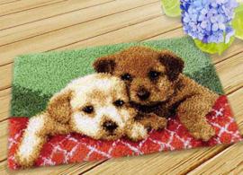 Knoop mat lieve hondjes (50x30cm)
