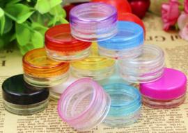 Potjes met draaideksel (verschillende kleuren leverbaar)(per 10 stuks)