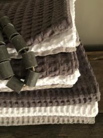 Wafelbadhanddoek,  lichtgrijs, 70 x 140 cm