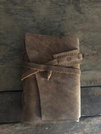 Notitieboekje met leren kaft