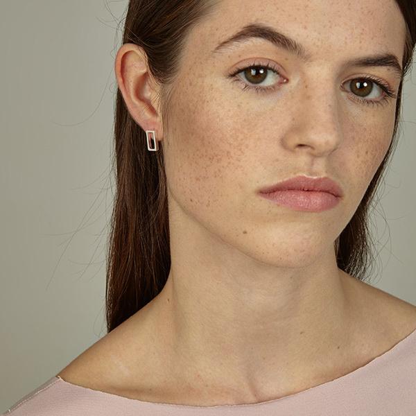 Srta Bolitas mooie handgemaakte zilveren oorstekers rechthoek