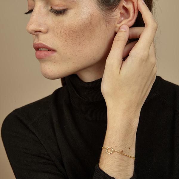 Srta. Bolitas prachtig  verguld armbandje met hexagoon