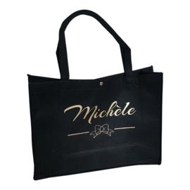 Vilten tas met opschrift naar keuze (zwart of lichtgrijs)