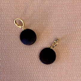 VELVET GOLD PLATED OORBELLEN BLACK