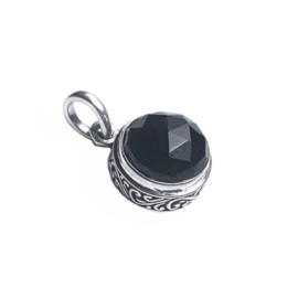BLACK ONYX ROUND STERLING SILVER / HANGER