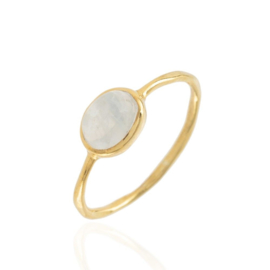 OVAL MOONSTONE RING GOLD VERMEIL