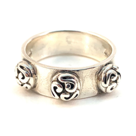 TRIBAL RING STERLING ZILVER MAAT 21